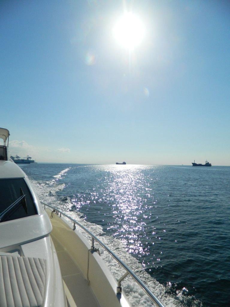 Как найти работу на яхте девочке