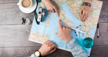 Как путешествовать с деньгами и без в Европе и Азии