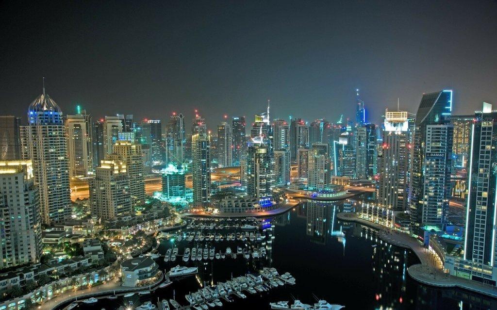 Нужна ли виза в Дубаи, ОАЭ для украинцев и россиян 2017